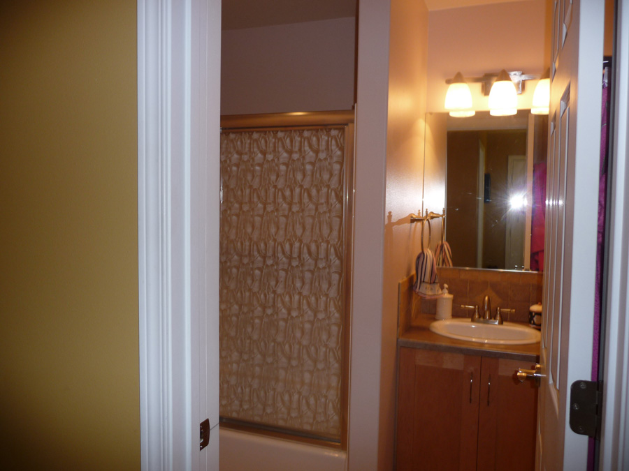 828-rochester-furnished-011